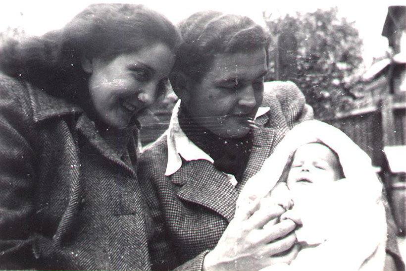 Pauline, Norman and baby Chris